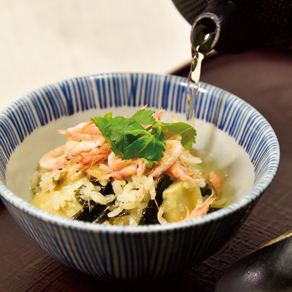桜海老と筍わかめの炊き込み茶漬け
